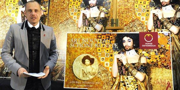 Conchita Wurst am Life Ball-Plakat