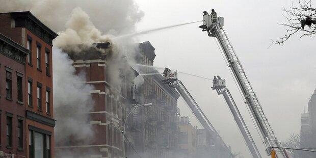 Haus in New York geht in Flammen auf