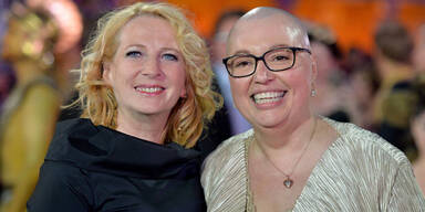 Sabine Oberhauser feiert nach Krebs-Chemo
