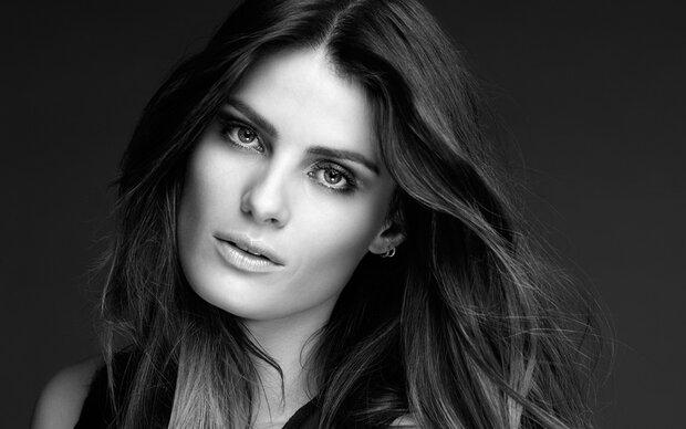 Isabeli Fontana wird Markenbotschafterin von L'Oréal