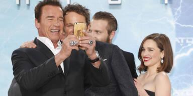 Arnold Schwarzenegger, Emilia Clarke