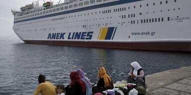 Kreuzfahrtschiff nimmt Flüchtlinge auf