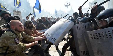 Explosion und Ausschreitungen in Kiew