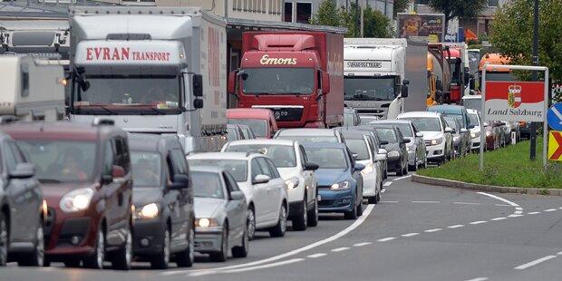 A4 bei Nickelsdorf Richtung Österreich gesperrt