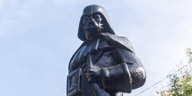 Lenin-Statue in Darth Vader verwandelt