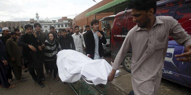 Schweres Erdbeben erschüttert Südasien