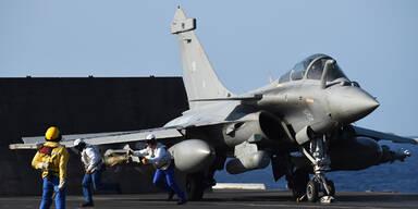 Frankreich: Härtere Attacken gegen IS