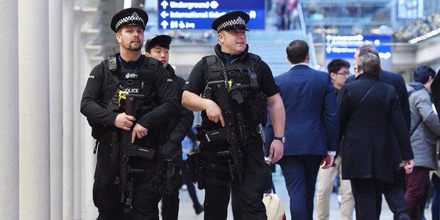 Regenschirm löst Terror-Alarm aus