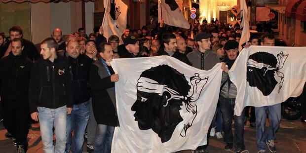 Korsika: Heftige Proteste gegen Araber