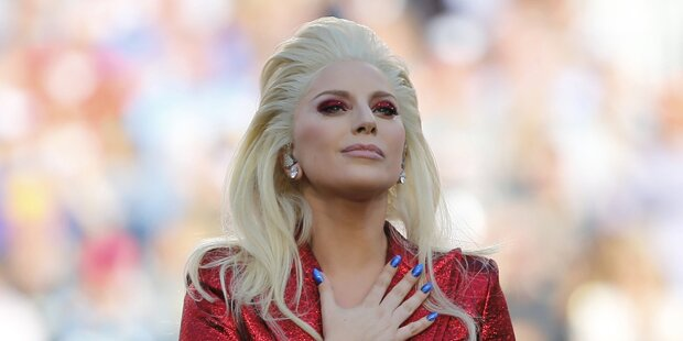Lady Gaga sprang ins eisige Wasser