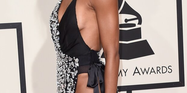 Wer war so nackt auf den Grammys?