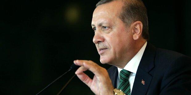 Erdogan fordert Auslieferung oder Festnahme Gülens