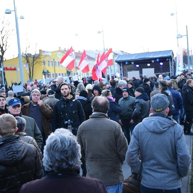 Flüchtlingsdemo in Liesing