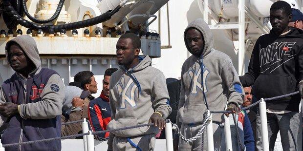 1.850 Flüchtlinge vor der Küste Italiens gerettet
