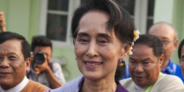 Myanmar: Suu Kyi in Regierung