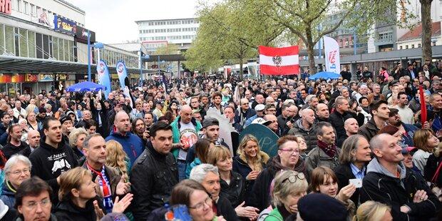 Twitter-Gerüchte über Hitler-Gruß bei FPÖ-Demo