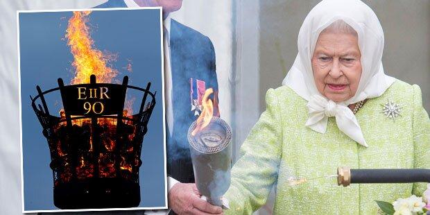 Queen entzündet zum 90er Leuchtfeuer