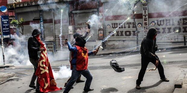 Demo eskaliert: Polizei setzt Tränengas ein