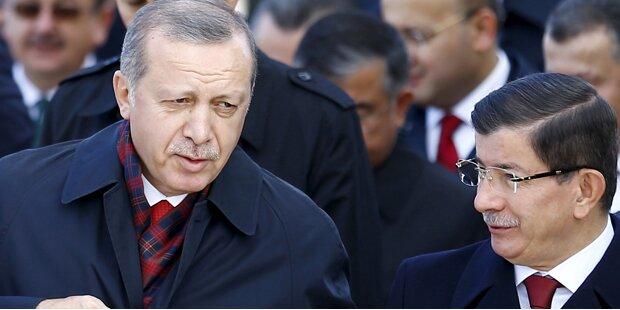 Erdogan zwingt Davutoglu in die Knie