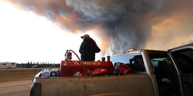 Feuer-Inferno hält Kanada in Atem