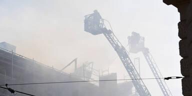 Weiter Verkehrsbehinderungen nach Feuer-Inferno