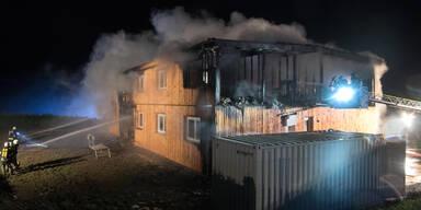 1. Brand-Anschlag auf Asyl-Heim