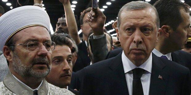 Erdogan-Eklat bei Ali-Beerdigung