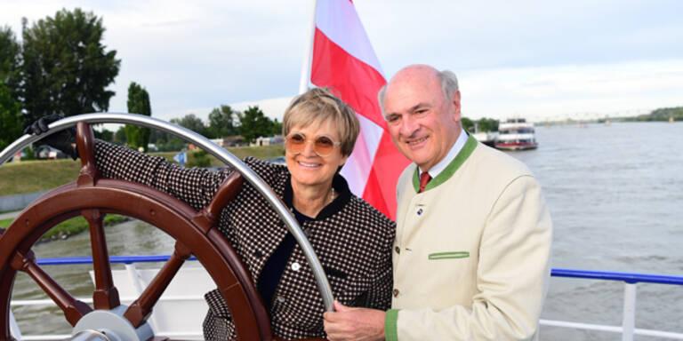 Donauschiff schießt Pröll ab