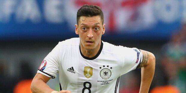 Test beweist: Özil hat eine Schwester