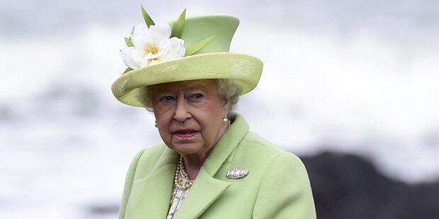 So lacht die Queen über den Brexit