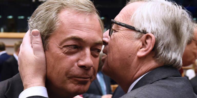 Hier gibt Juncker den Briten einen Abschiedskuss