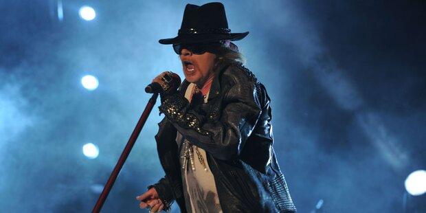 Waffenfund: Guns N' Roses festgehalten