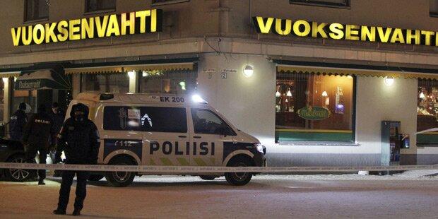 Finnland: Drei Frauen vor Restaurant erschossen