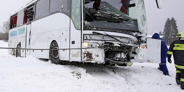 Falscher Sanitäter bei Busunfall: Salzburger verhaftet