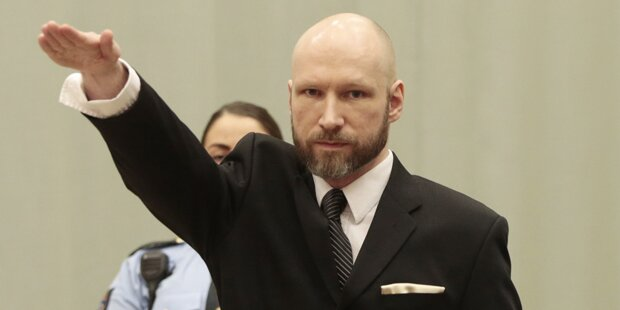 Massenmörder Breivik änderte seinen Namen
