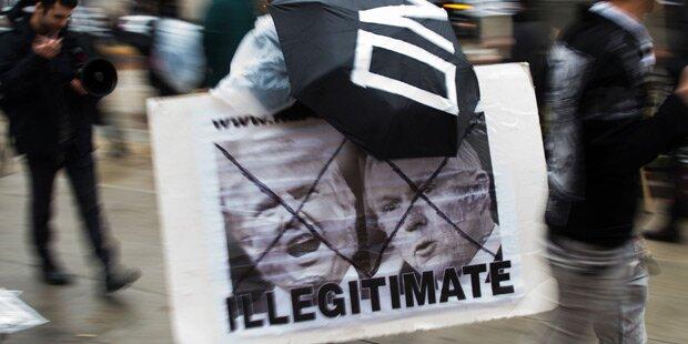 Schwere Ausschreitungen bei Anti-Trump-Demo
