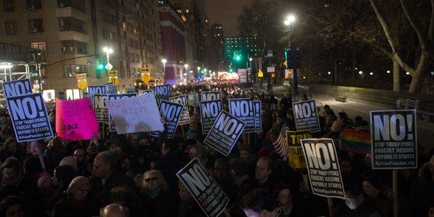 Tausende marschieren gegen Trump