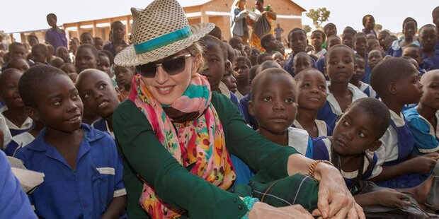Madonna will wieder adoptieren