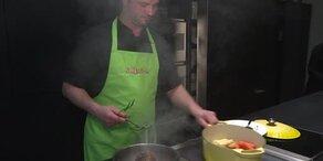 Osterspecial: Rolllammbraten mit Bratkartoffeln und Gemüse