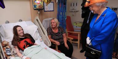 Queen Terroropfer Manchester Spital besucht