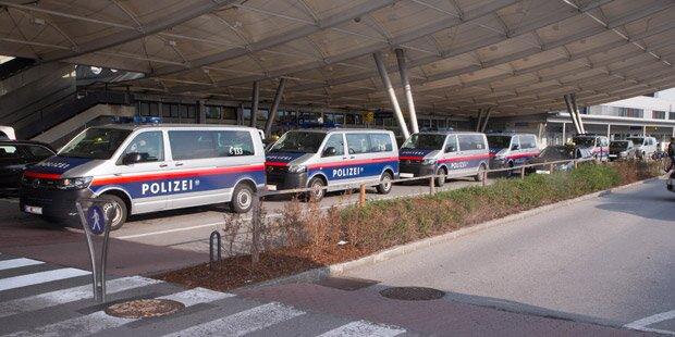 Bombendrohung: Flughafen Salzburg durchsucht