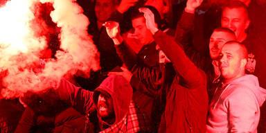 Serbien-Fans beim Länderspiel