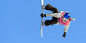 Anna Gasser jubelt über Olympia-Gold