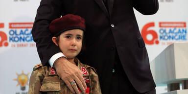 Erdogan weinendes Mädchen