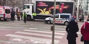 Fußgänger in Wien von Lkw angefahren