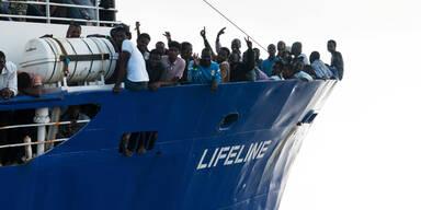 """Neue Wende im Flüchtlingsschiff-""""Lifeline""""-Drama"""