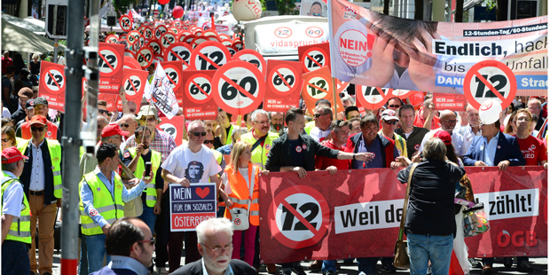 Demo Wien Photo: LIVE: Mega-Demo Gegen 12-Stunden-Tag