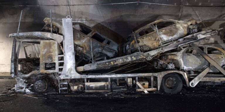 Lkw gerät in Brand - Gotthard-Tunnel gesperrt