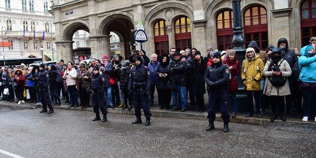 Fan-Auflauf vor McCartney-Hotel: Polizeieinsatz