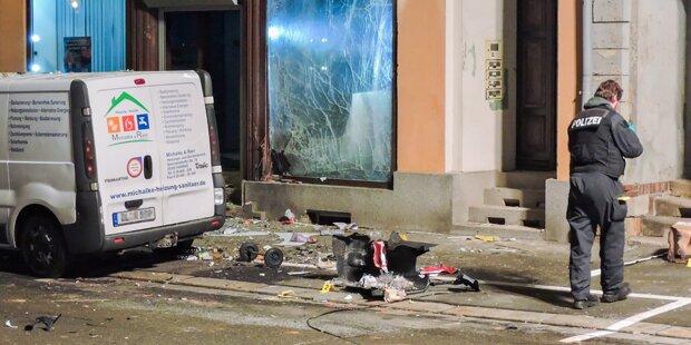 Anschlag? Schwere Explosion vor AfD-Büro